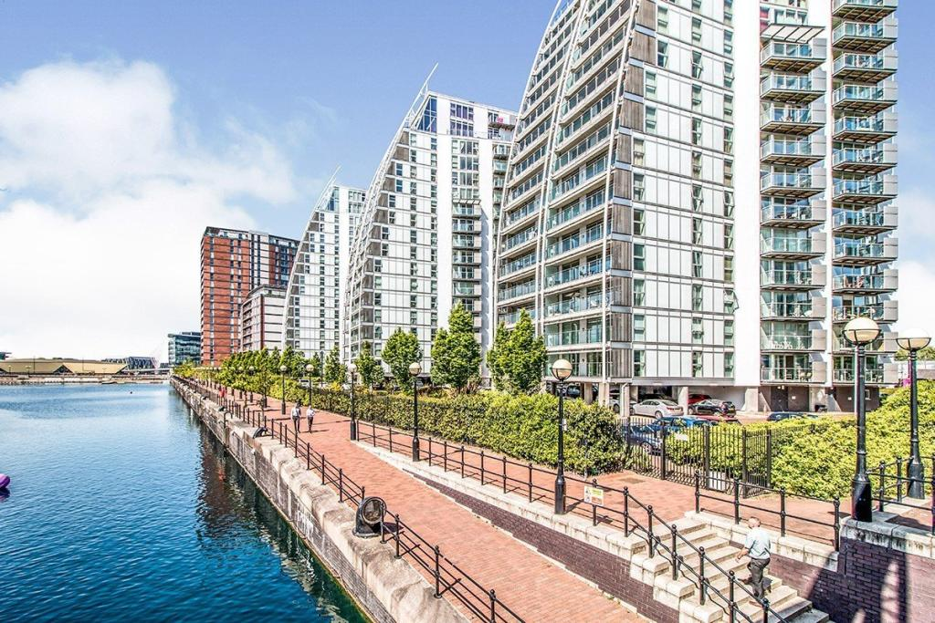 Manchester BBC Media City Waterfront Luxury apartment 曼徹斯特的優雅河畔居停(現樓)